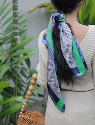 Colored Border Herringbone Scarf