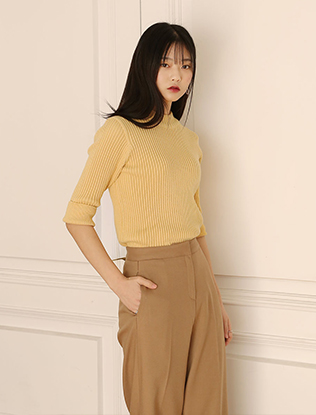 Half-Sleeved Corrugated Knit Top