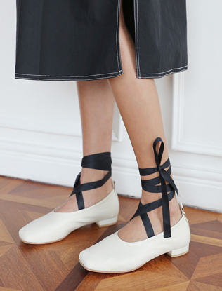 Wraparound Ankle Square-Toed Shoes