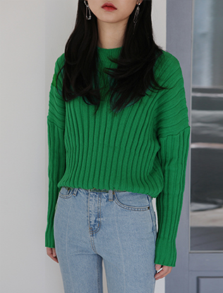 Dropped Shoulders Knit Top