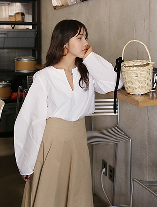 Puff Sleeves V-Neck Blouse