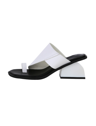 Toe Ring Block Heel Sandals