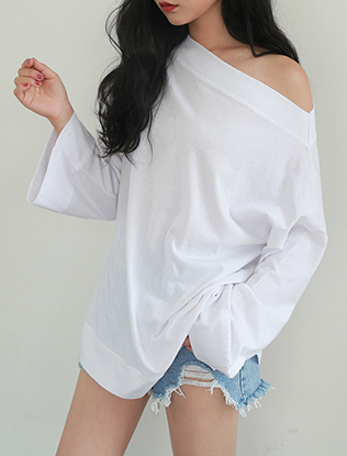 One-Shoulder Long-Sleeved Blouse