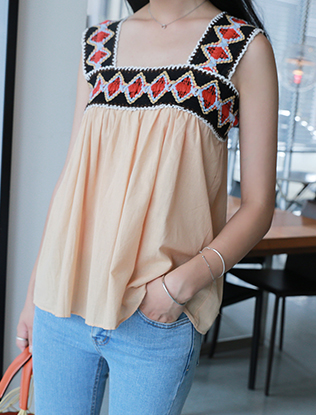 Ethnic Pattern Sleeveless Blouse