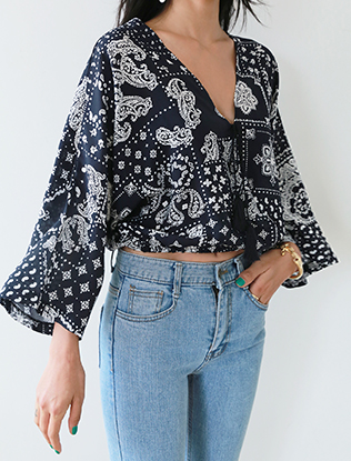Cropped Paisley Print Blouse