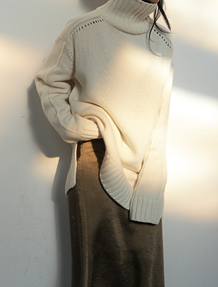 Loose Knit Accent Turtleneck Sweater