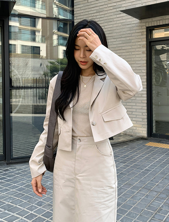 Cropped Single-Breasted Jacket