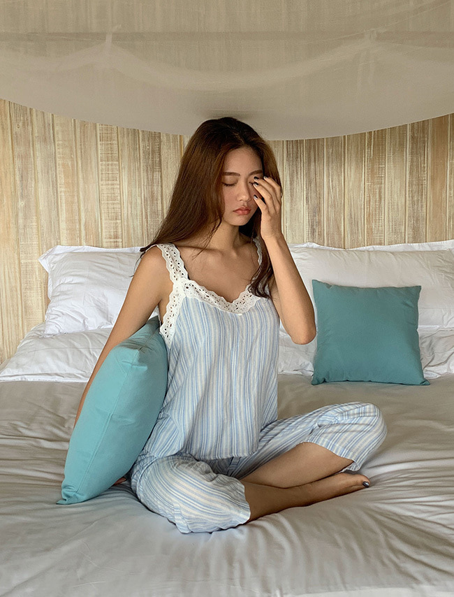 Lace Top and Pants Sleepwear Set