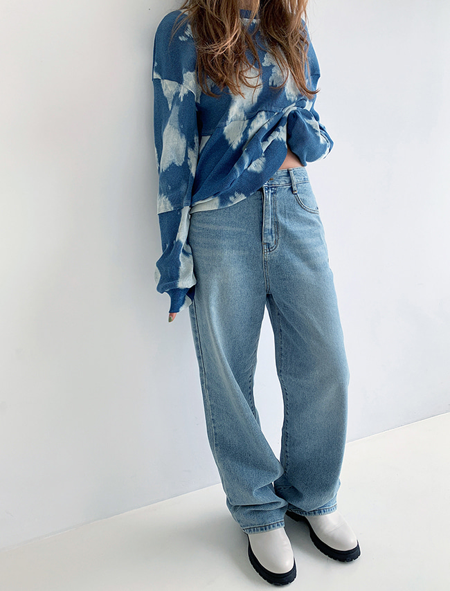 Straight Leg Relaxed Fit Jeans