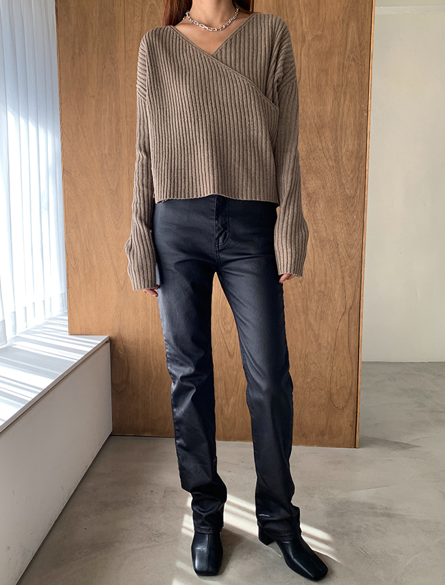 Fleece-Lined Coated Straight Jeans