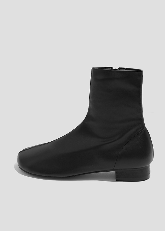 Front Seam Low Heel Ankle Boots