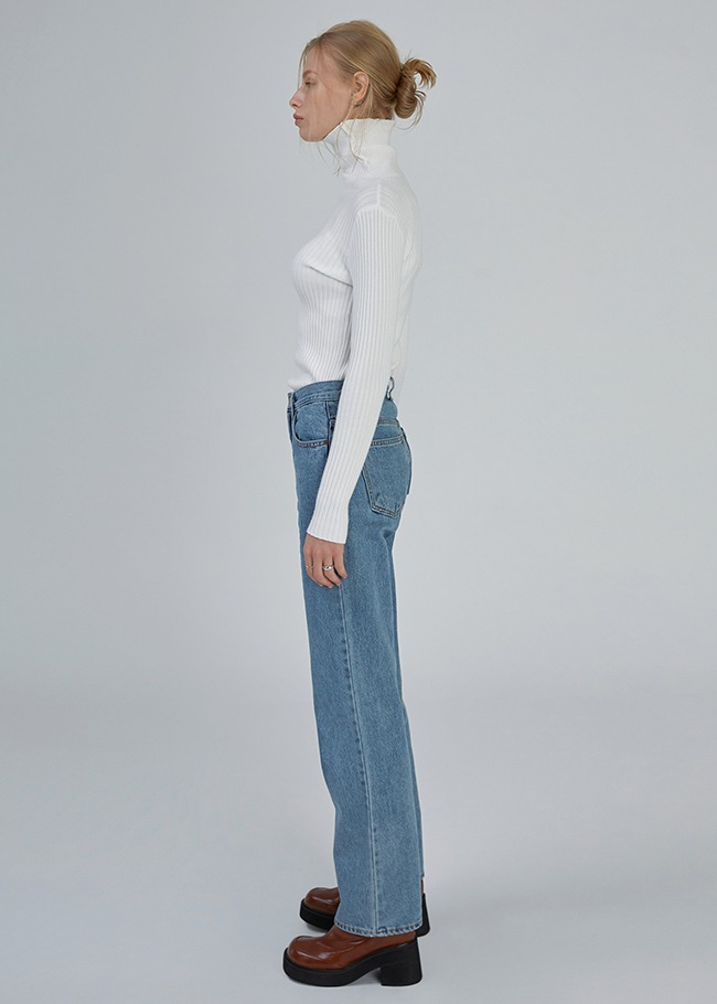 Basic Straight Denim Jeans