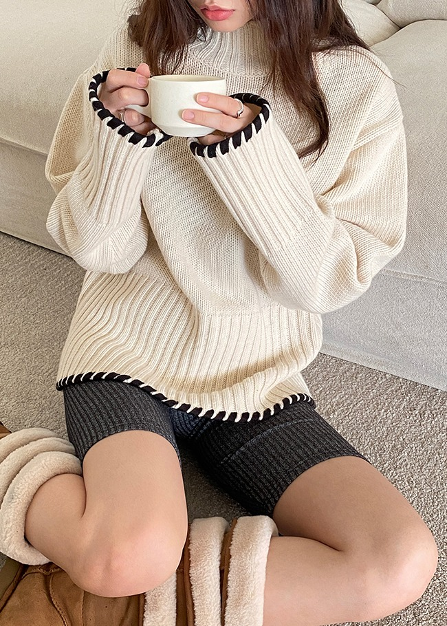 Ribbed Loose Fit Turtleneck Knit Top