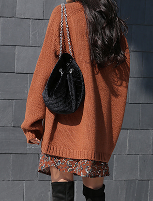 Chain Accent Knit Bucket Bag