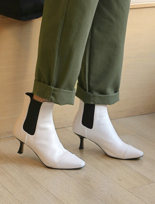 Kitten Heel Pointed Boots